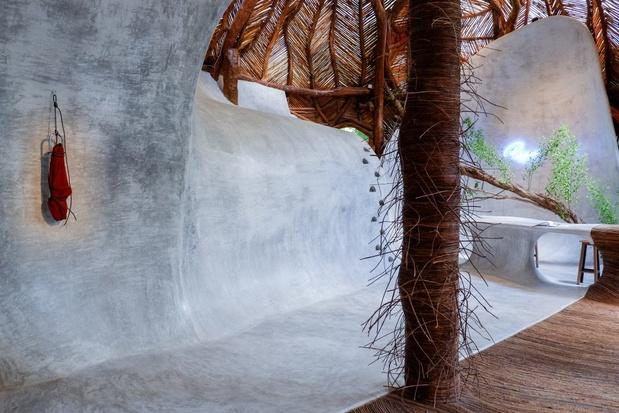 Bianca bondi entretien artiste exposition mor charpentier psiquica pendulum 1024x683 1 medium