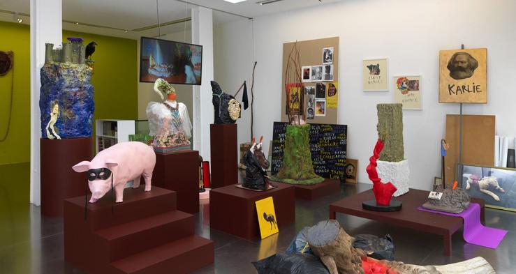 Vue de l'exposition d'Arnaud Labelle-Rojoux, Etant damnés Un épisode de La Passion triste, avec Xavier Boussiron, galerie Loevenbruck, Paris, 2021
