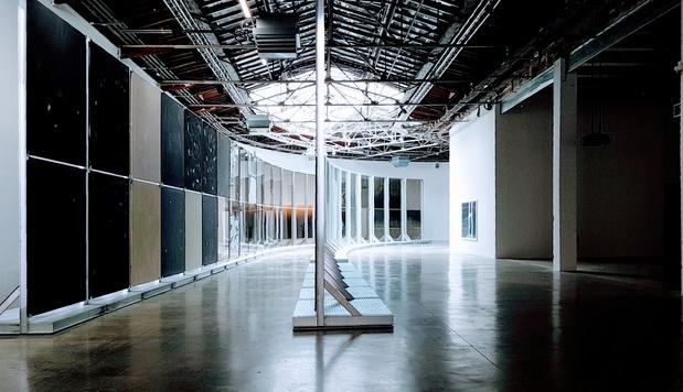 Palais de tokyo expo anne imhof critique art guillaume benoit exposition paris 1 1 medium