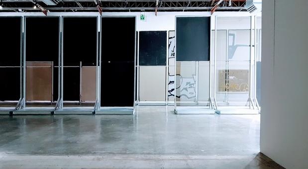 Palais de tokyo expo anne imhof critique art guillaume benoit exposition paris 12 1 medium