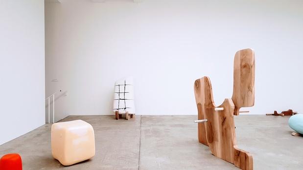 Marian goodman galerie critique exposition guillaume benoit paris 14 1 medium