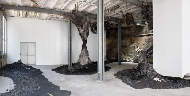 Charlotte charbonnel exposition 1 1 medium